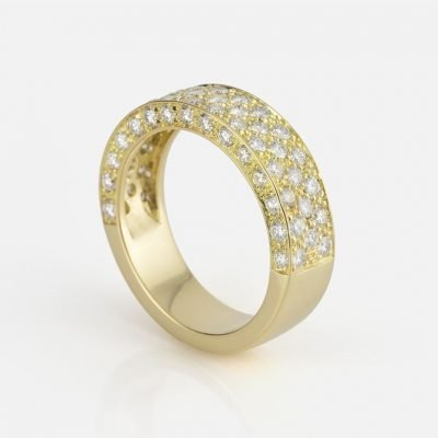 'Pavé' ring in yellow gold with diamonds