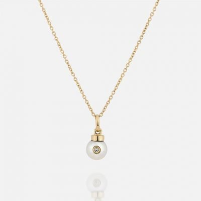 'Akoya' chain and pendent in yellow gold with pearl and diamond