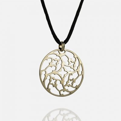 'Promessa de Amor' medallion in yellow gold with silk cord