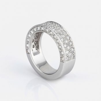 """Pavé"" ring in white gold with diamonds.."