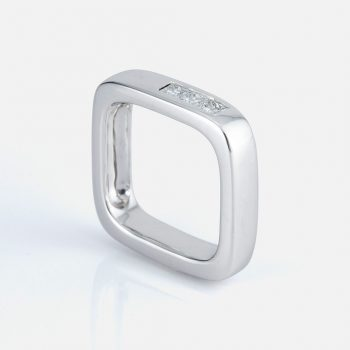 "Square ""Shapes"" ring in white gold with diamonds."