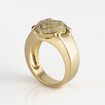 """""""Heart Faces"""" ring in yellow gold with diamonds."""