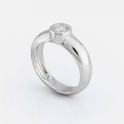 """""""One"""" ring in white gold with diamond."""