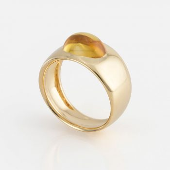 """Skandi"" ring in yellow gold with citrine."