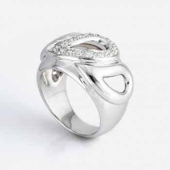 """Sublime"" ring in white gold with diamonds."
