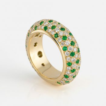 """Fancy"" ring in yellow gold with emearalds and diamonds."