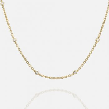 Necklace in yellow gold with diamonds.