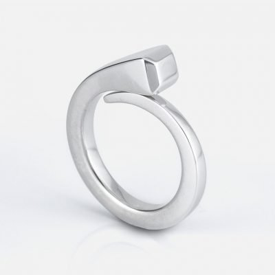 'O Cravo' ring in silver