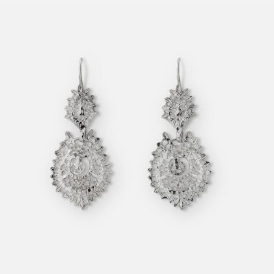 Filigree 'Queen' pair of earrings in silver