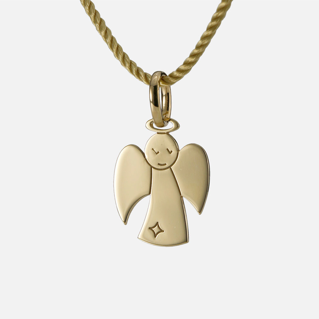"""""""Guardian Angel"""" pendant in yellow gold."""