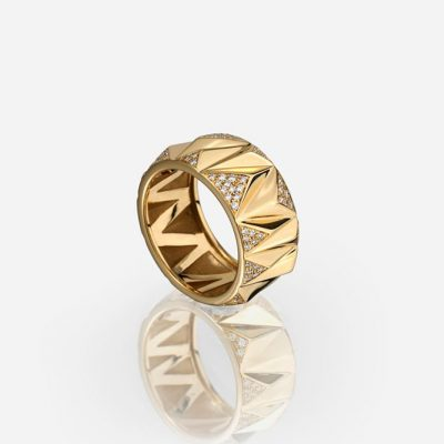 'Les Pyramides' ring 10 mm in yellow gold and diamonds