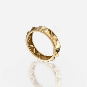 'Les Pyramides' ring 5 mm in yellow gold