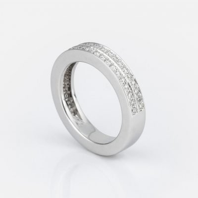 'Twice' ring in white gold with diamonds
