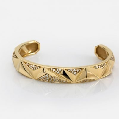 'Les Pyramides' bracelet in yellow gold and diamonds