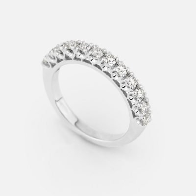 'Forever' ring in white gold with 12 diamonds
