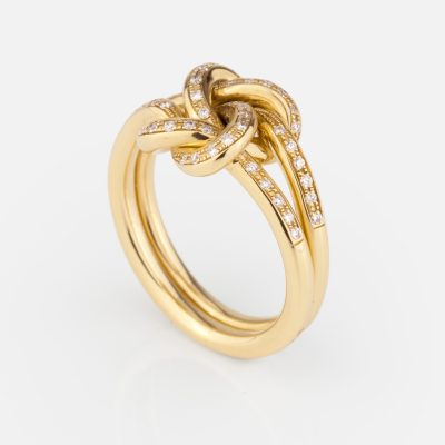 'Knot Me' ring in yellow gold with diamonds