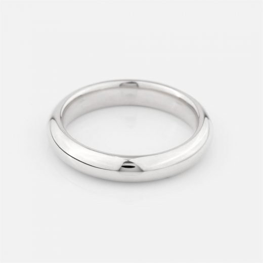 Comfort-fit wedding band in white gold