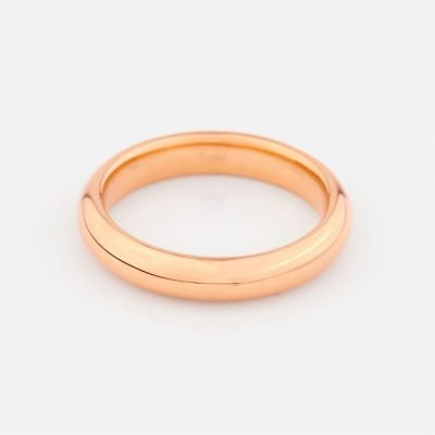 Comfort-fit wedding band in rose gold