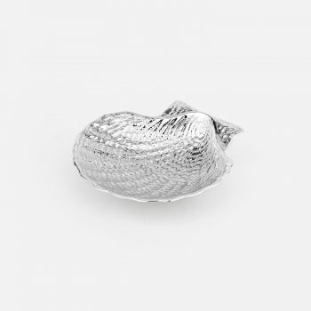 Shell in chased silver