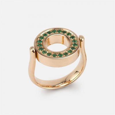 'Inverso' reversible ring in gold with diamonds and green topaz