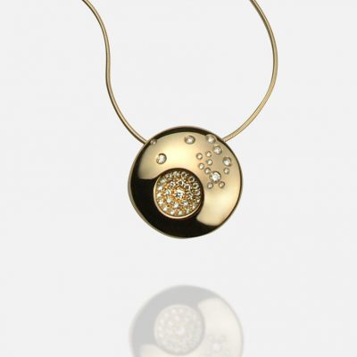 """Summer Sky"" necklace in yellow gold and diamonds"