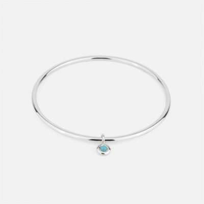 Flat bracelet in silver with turquoise trinket