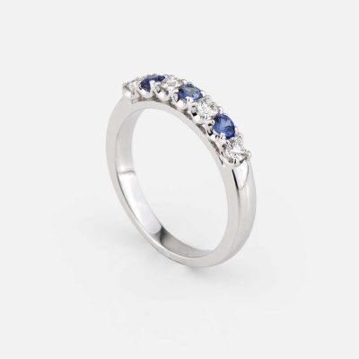 """Forever Colorful"" ring in white gold, blue sapphire and diamond"
