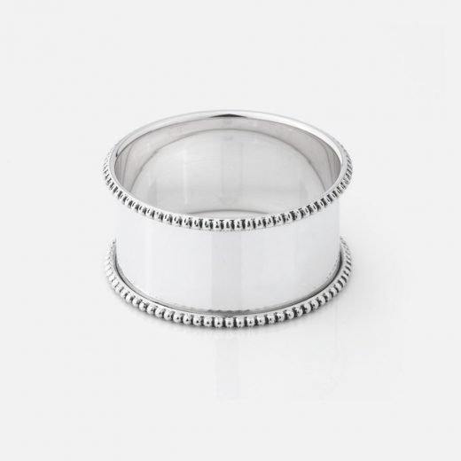 Pair of round napkin rings in silver