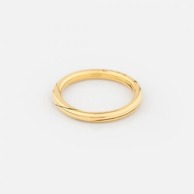 Openable wedding band in yellow gold